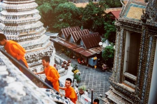 monks, Wat Arun