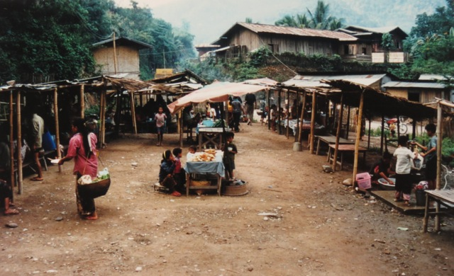 Pak Beng market