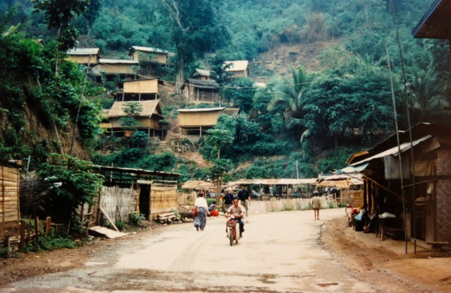 Pak Beng, one road that leads to China